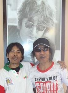 Gus Din bersama Totok Tewel & John Lennon