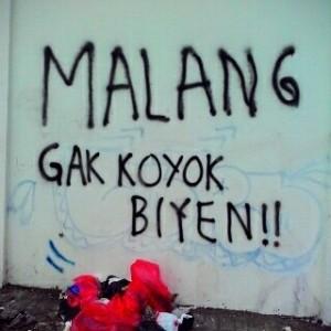 jepretan jitu seorang kawan, dari sebuah grafiti liar di daerah jalan kalpataru, katanya.